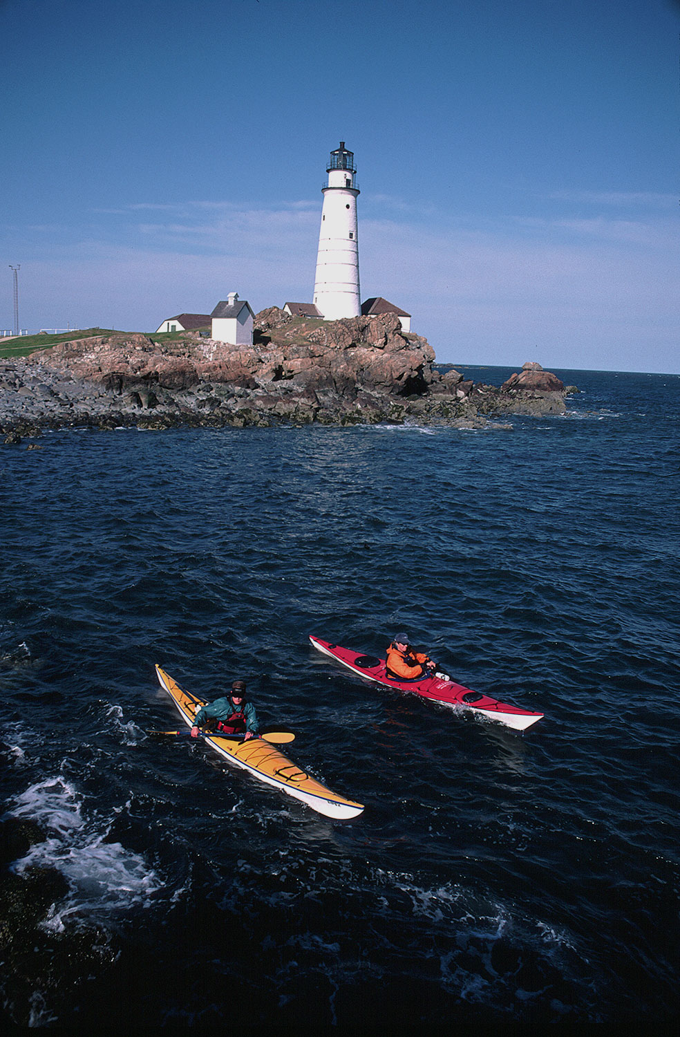 ocean-kayaking-around-boston-harbor-islands
